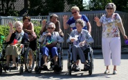 Bewoners De Lingehof en Liduina gaan weer van start met Gouden Appel vierdaagse