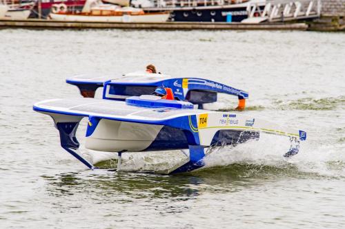 Zonnebootraces in Verbindingskanaal en Eemskanaal