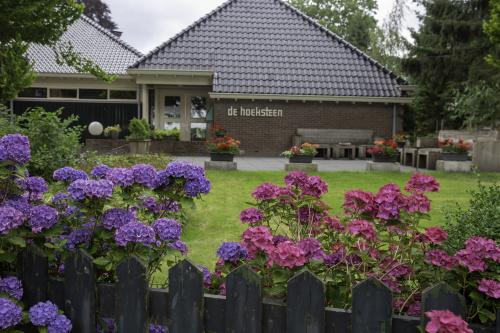 Wethouder Broeksma bezoekt Dorpshuis de Hoeksteen